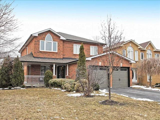 345 Pickering Cres