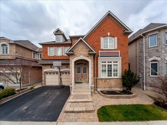 65 Castleview Cres