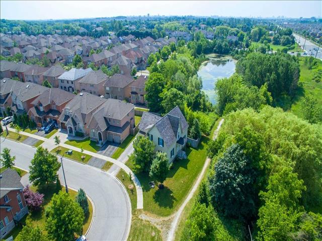 43 Castleview Cres