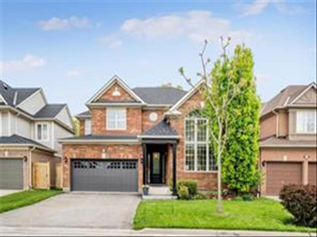 696 Marley Cres