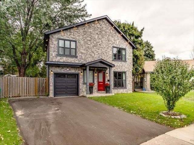 61 Bow River Cres