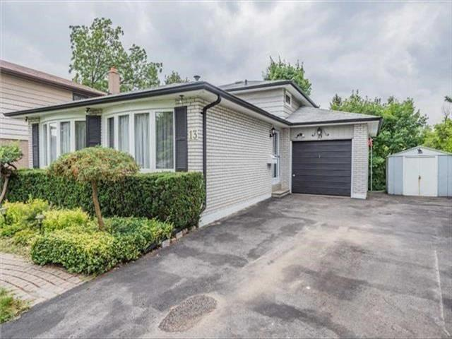 13 Golf View Dr