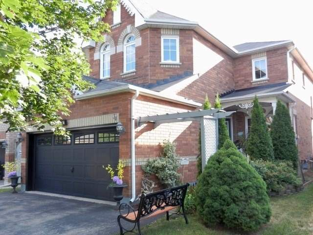34 Mapleshade Dr