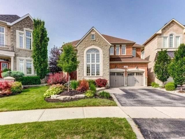 22 Howland Cres