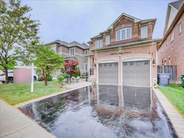 5438 Rose Ridge Cres