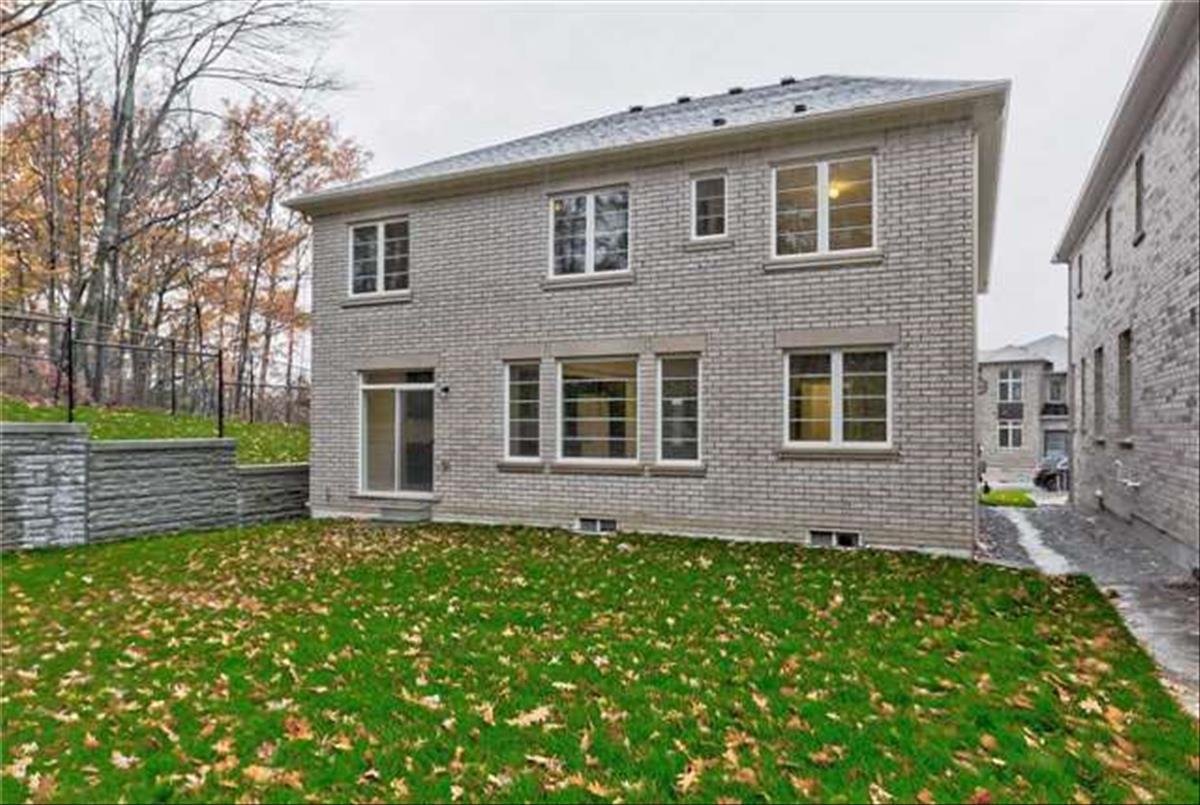 40 Forest Edge Cres East Gwillimbury TEAM TIGER