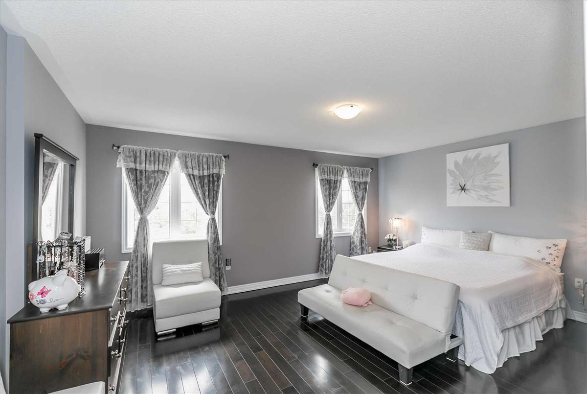 71 Nature Way Cres Newmarket TEAM TIGER